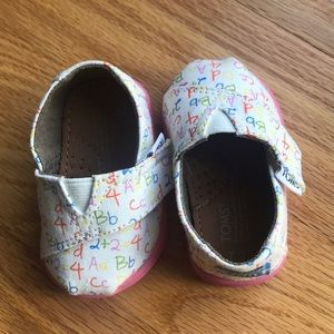 Toms Shoes - Girls Toms walking shoes